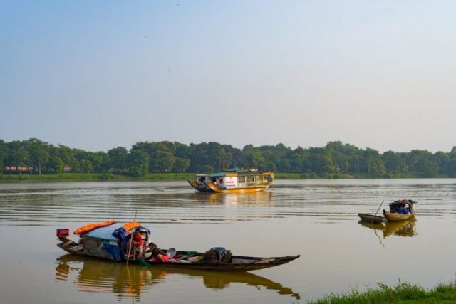 A peaceful morning along the Perfume River, which flows through Hue before emptying into the East Sea.